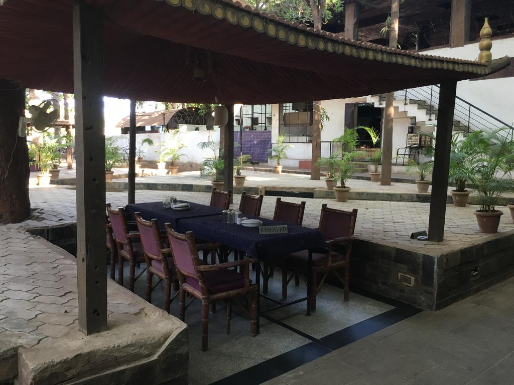 Siddharth Residency Hotel Hampi Restaurant